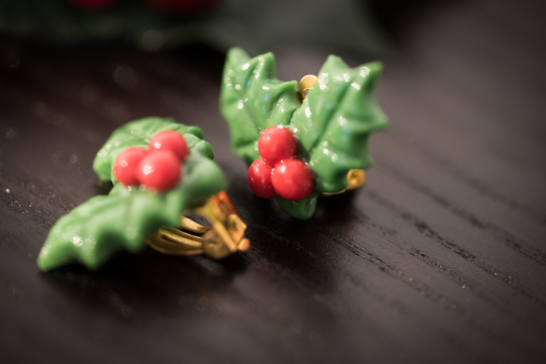 Festliche Stechpalmen-Ohrringe von Glitter Paradise
