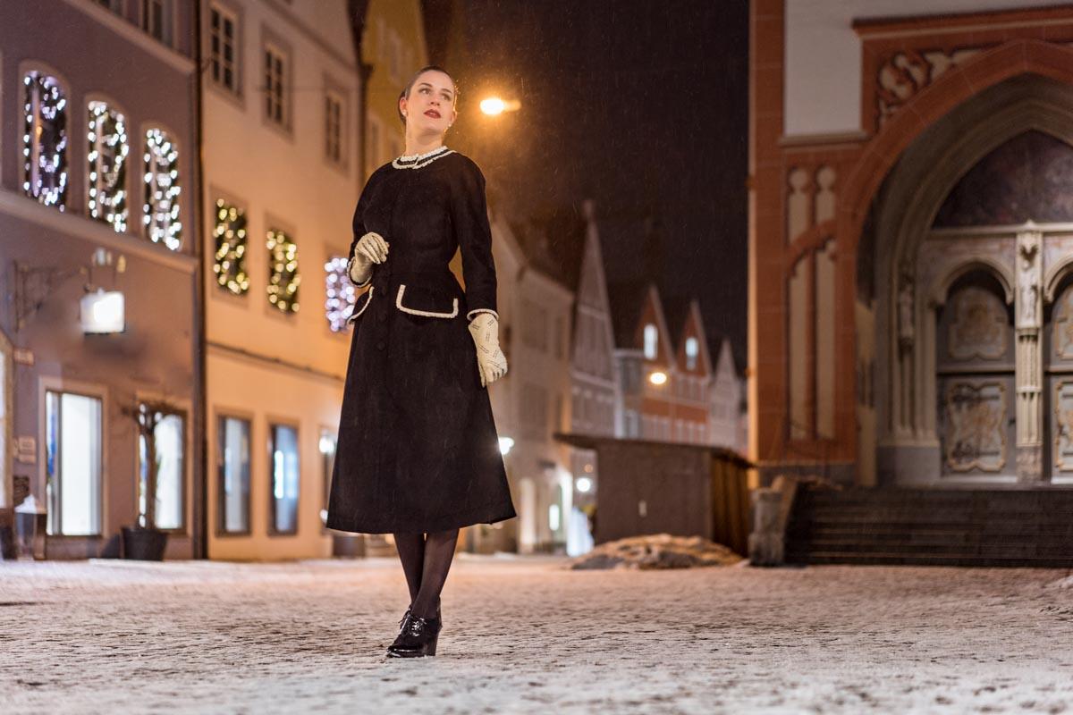 Stylish in Schwarz-Weiß mit einem Winter-Kleid von Ginger Jackie