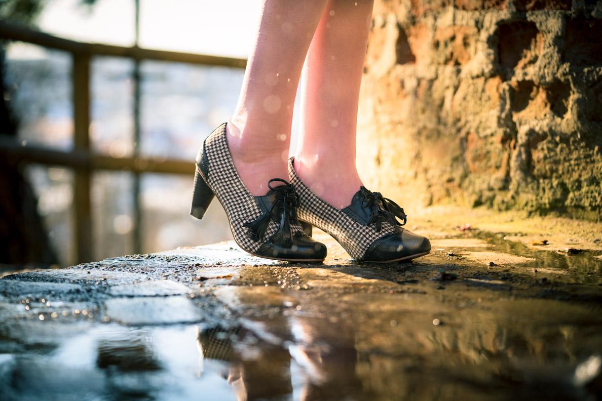 RetroCat mit den Moss Garden Heels von Banned