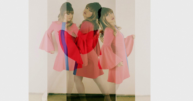 Grünten-Mode-Designerin Sara im pinken Panton Dress
