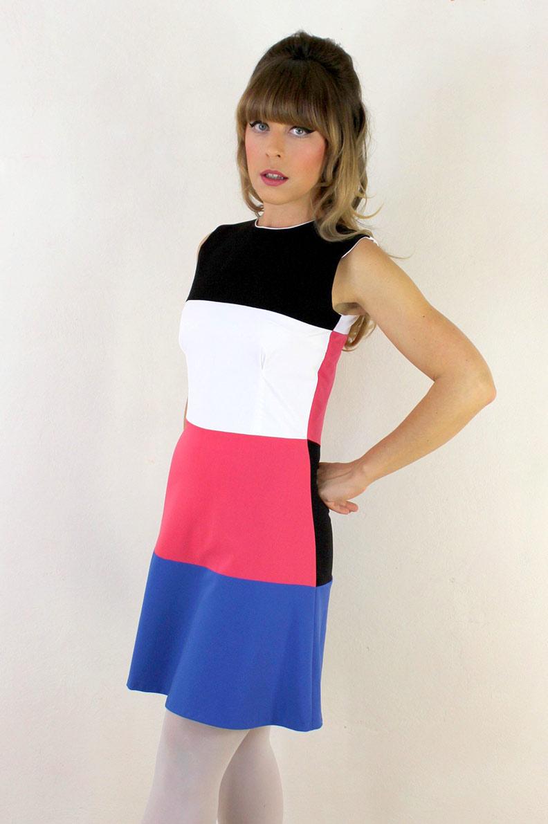Die Designerin von Grünten Mode im kurzen Kelly Dress