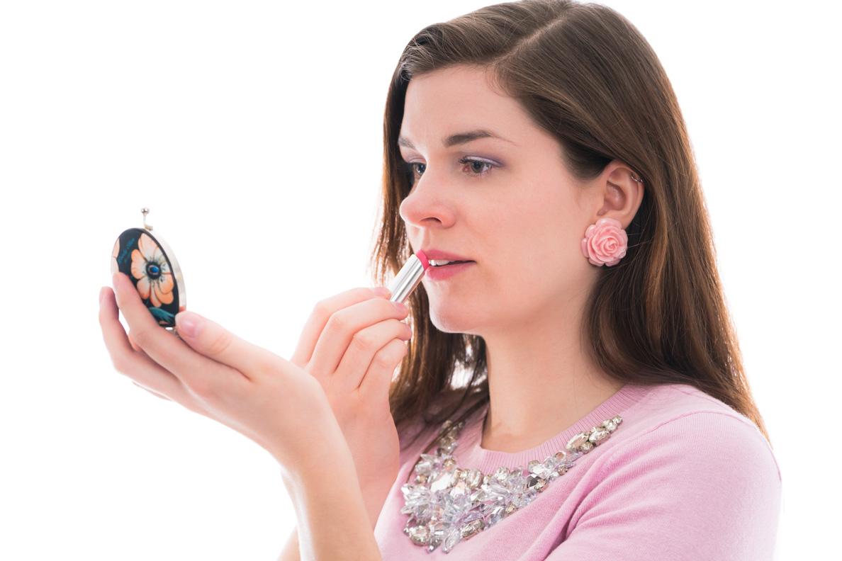 Beauty-Bloggerin RetroCat mit dem Dior Addict Lip Sugar Scrub