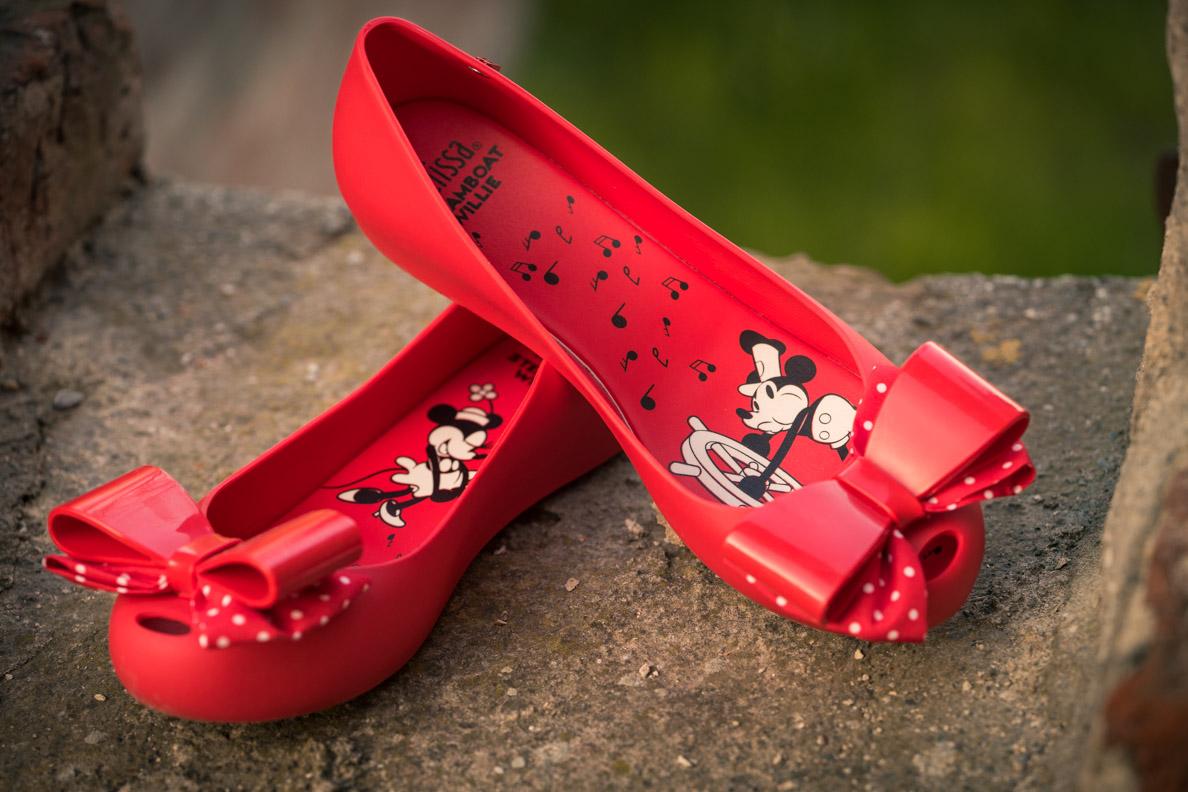 Rote Ballerinas von Melissa mit Minnie Maus und Micky Maus Print