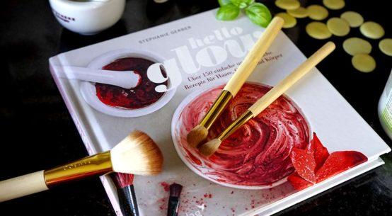 Hello Glow: Einfache Rezepte für natürlich schöne Haut und gepflegte Haare