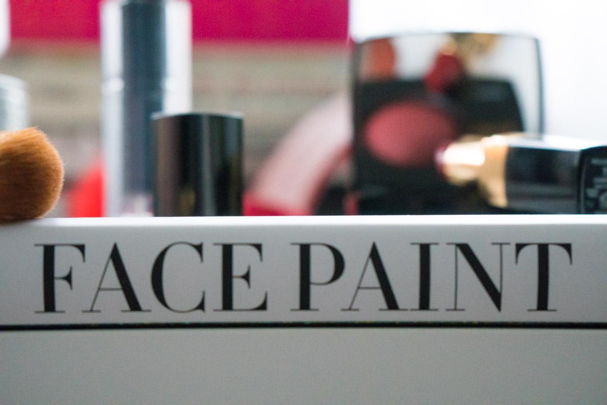 """Das Make-up-Buch """"Face Paint"""" von Lisa Eldridge in der Detailansicht"""