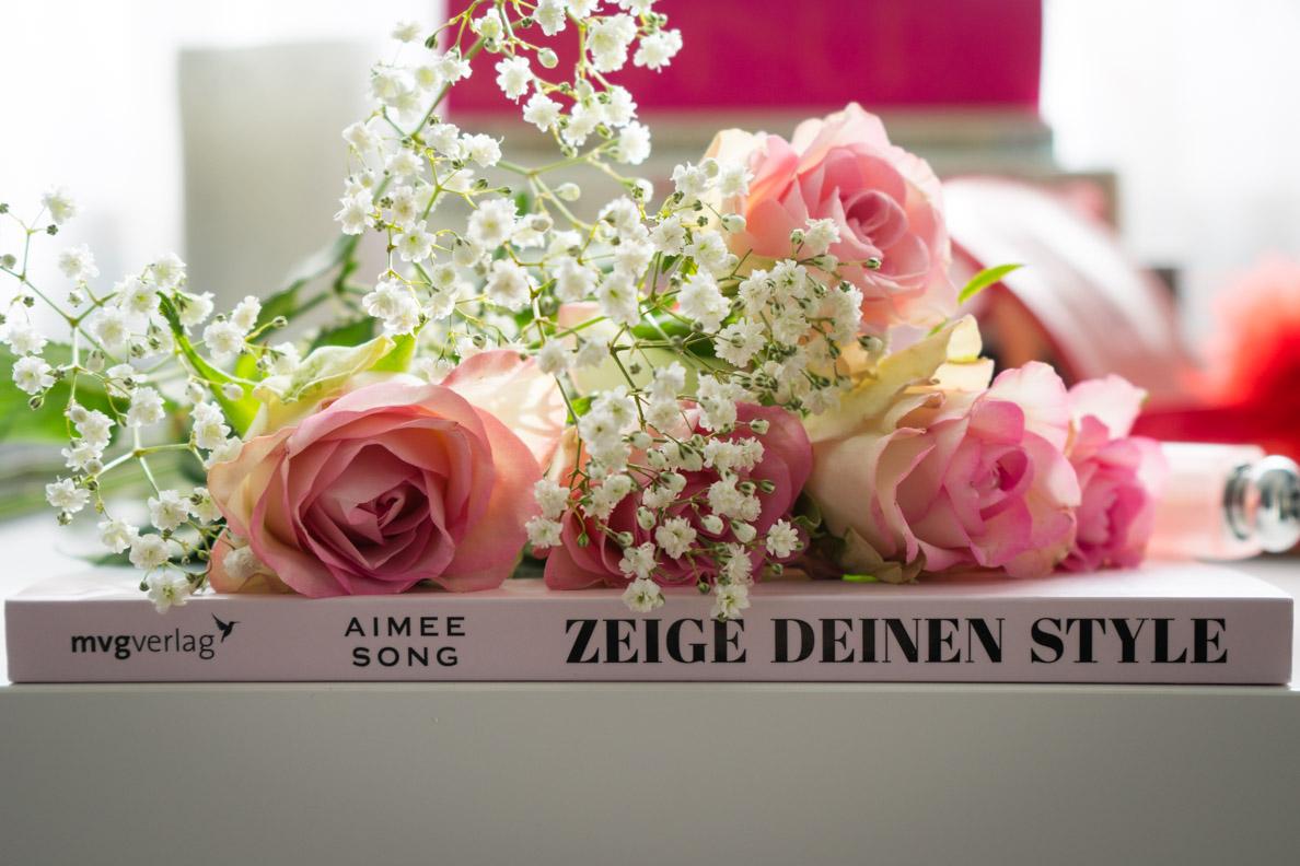 """Der Buchrücken von """"Zeige Deinen Style"""" von Bloggerin Aimee Song"""