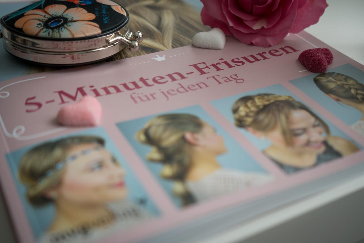 """Eine ausführliche Review zum Buch """"5-Minuten-Frisuren für jeden Tag"""" von Victoria Posa"""