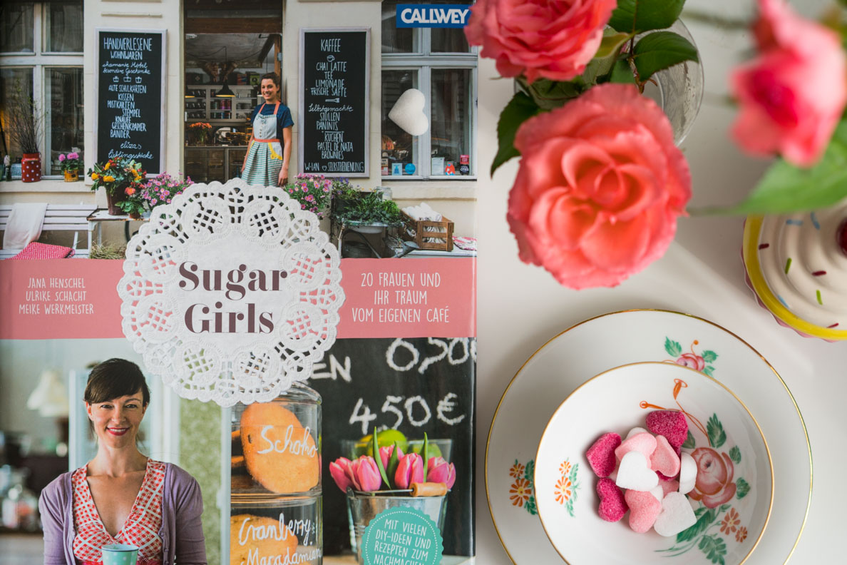 """Eine ausführliche Rezension zum Buch """"Sugar Girls: 20 Frauen und ihr Traum vom eigenen Café"""""""