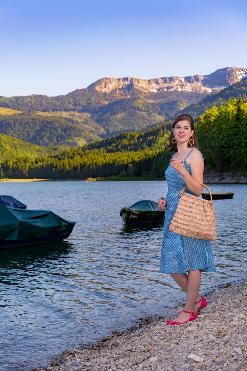 RetroCat im blauen Nora Dress Waltz von King Louie