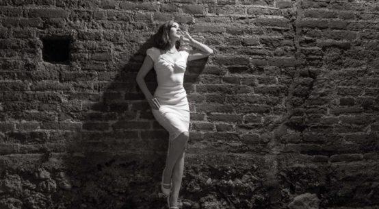 Für heiße Sommernächte: Ein weißes Kleid von Stop Staring!