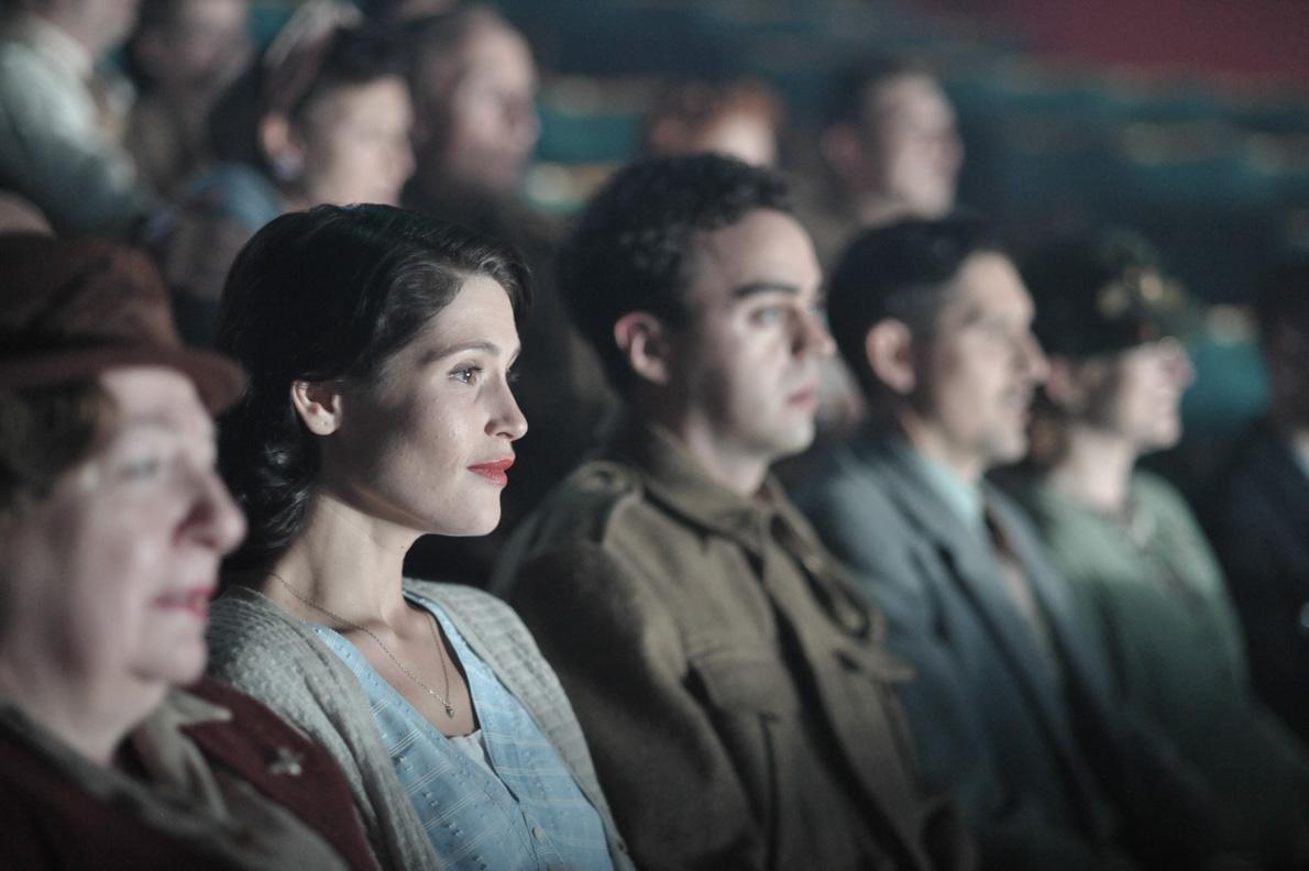 Gemma Arterton alias Catrin Cole im Kino