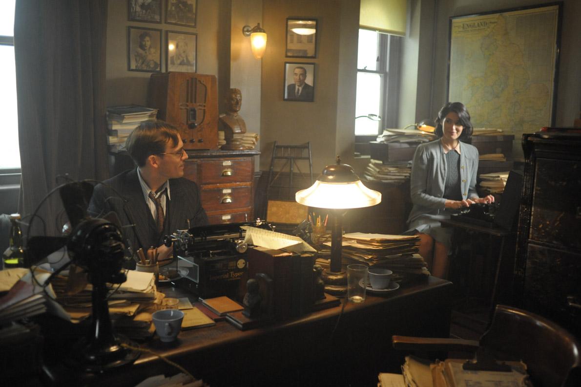 Catrin Cole und Tom Buckley im Informationsministerium