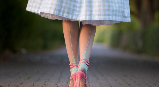 Kühle Farben für heiße Tage: Die Secrets in Lace Spanish Heel Strümpfe in
