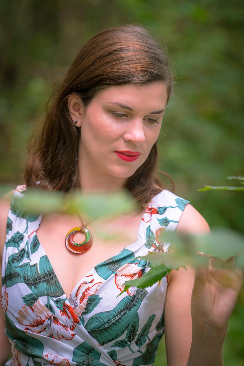 Beauty-Bloggerin RetroCat mit einem sommerlichen Retro-Make-up