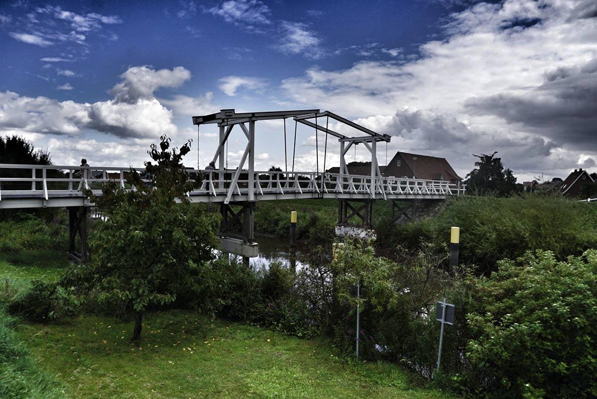Eine alte Brücke im Alten Land