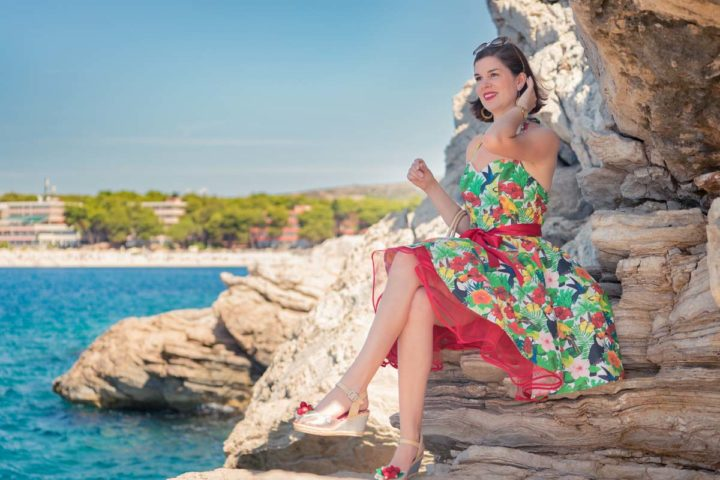 """Exploring new Places in Croatia with the retro Dress """"Tropenwald"""" by Belle Couture"""