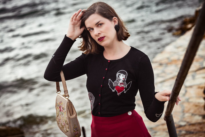 Autumn Ahoi! A warm Vampire Cardigan for the first Days of Fall