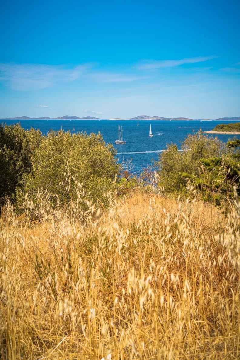 Der Ausblick auf die Bucht vor Primošten