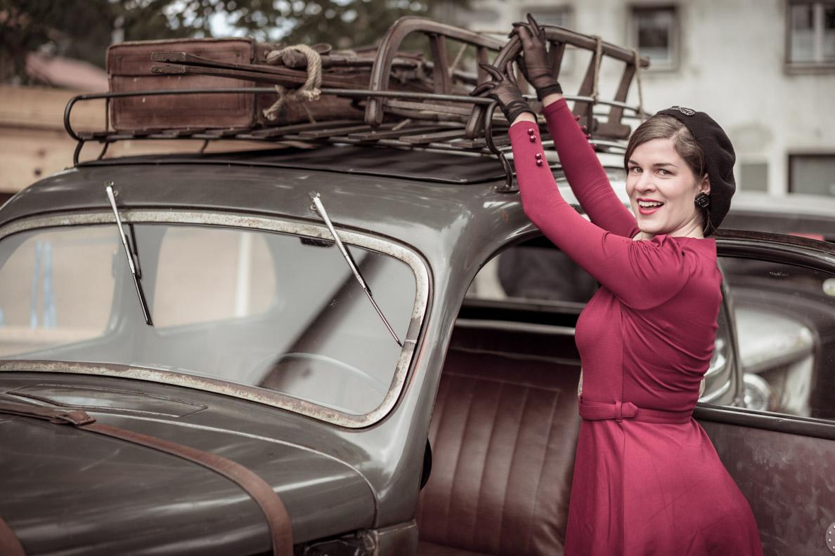 RetroCat mit Schlitten und Oldtimer auf dem Auerberg Klassik