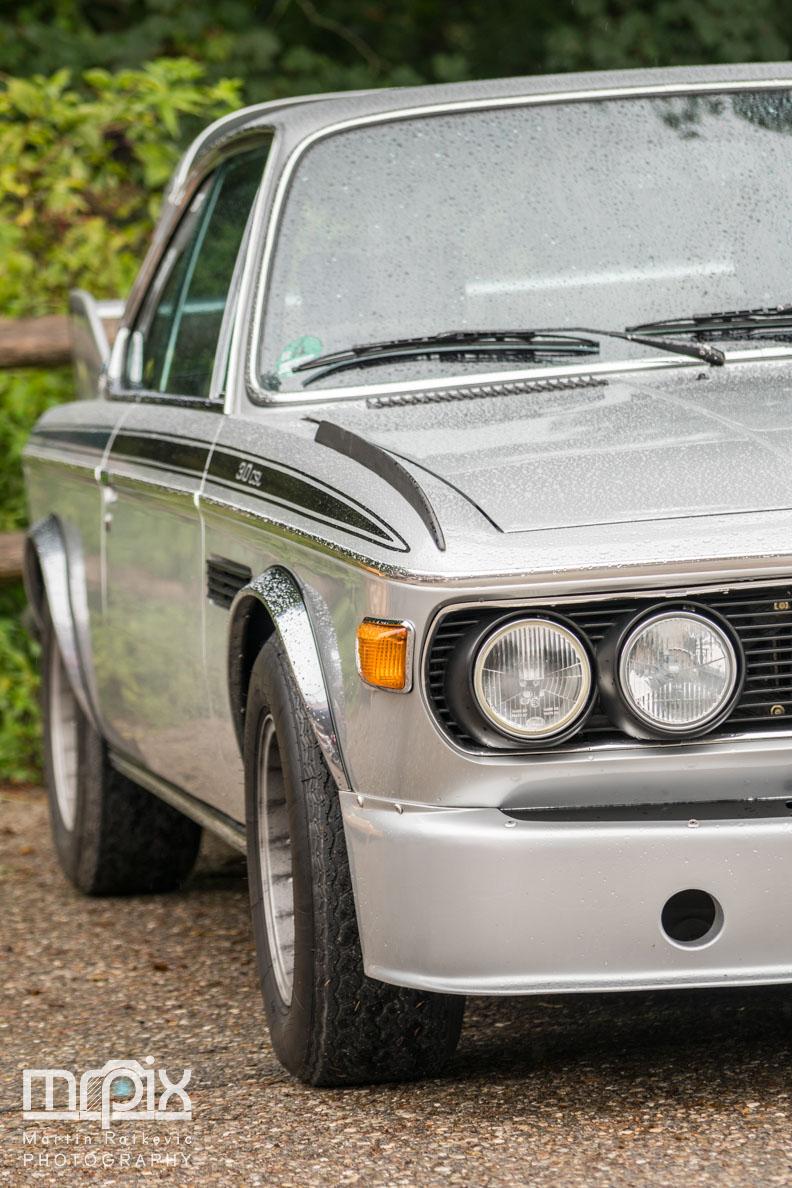 Ein silberner BMW beim Auerberg Klassik