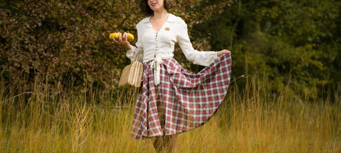 Warme Herbsttage in der Natur mit dem Isabelle Skirt von The Seamstress of Bloomsbury