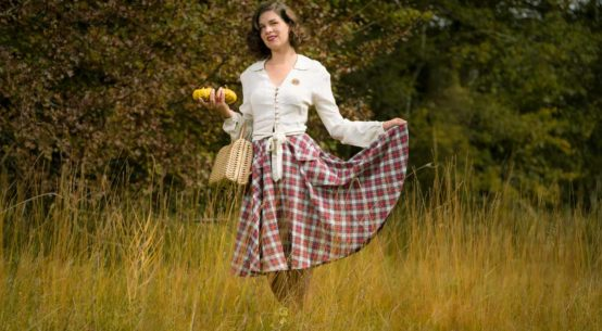 Warme Herbsttage in der Natur mit dem Isabelle Skirt von The Seamstress of Bloomsbury