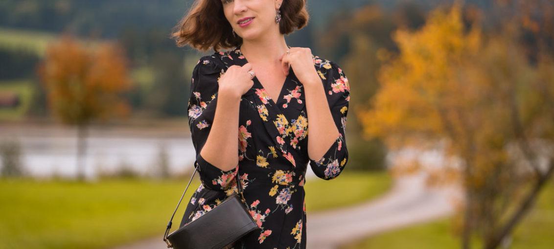 """Ein Herbstspaziergang mit dem """"Barbara Dress"""" von The Seamstress of Bloomsbury"""