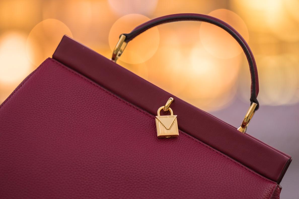 Die Gramercy Frame LG TH Satchel Mulberry von Michael Kors via Fashionette