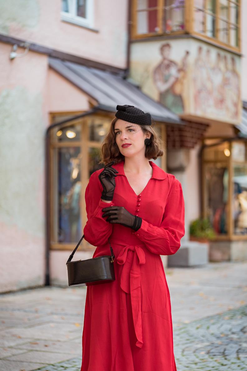 """RetroCat in dem 40er-Jahre-Kleid """"Clarice"""" von The Seamstress of Bloomsbury"""