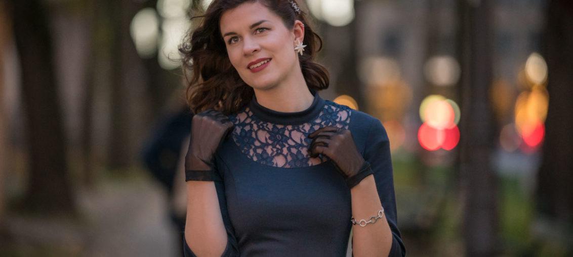 Ein Traum in Marineblau: Das Petticoatkleid von Belle Couture