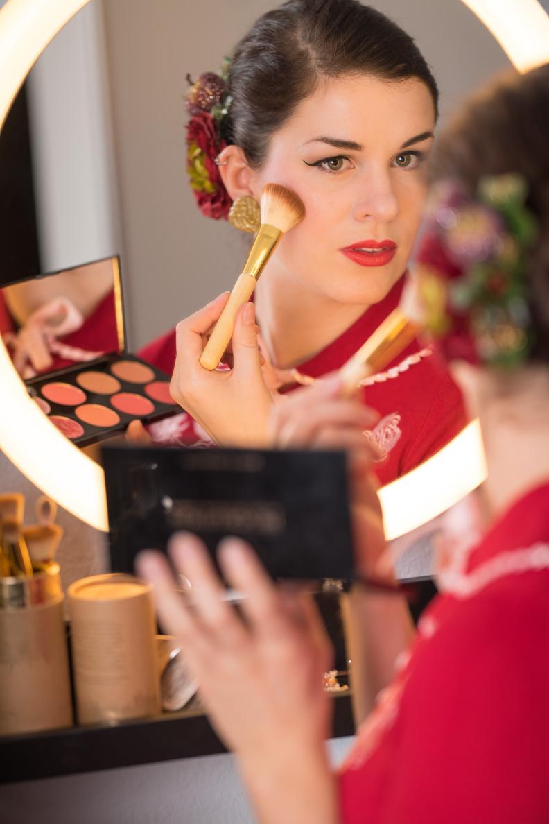 RetroCat mit Rouge von Makeup Revolution via Notino
