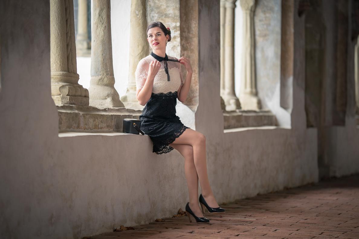 RetroCat mit dem Neo Victorian Kleid von Vive Maria
