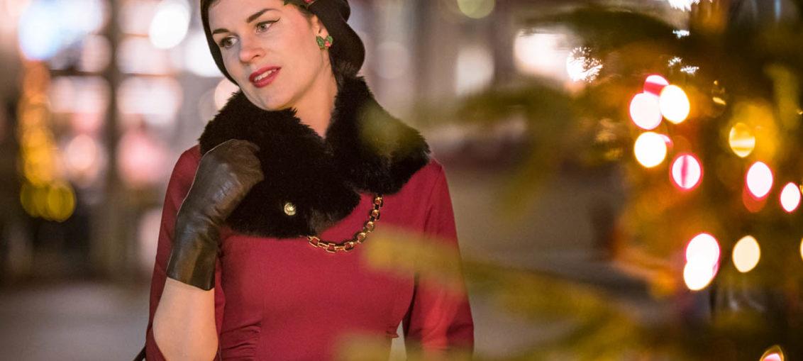 Die richtige Farbe zum Fest der Liebe: Das rote Vivian Dress von Zoe Vine