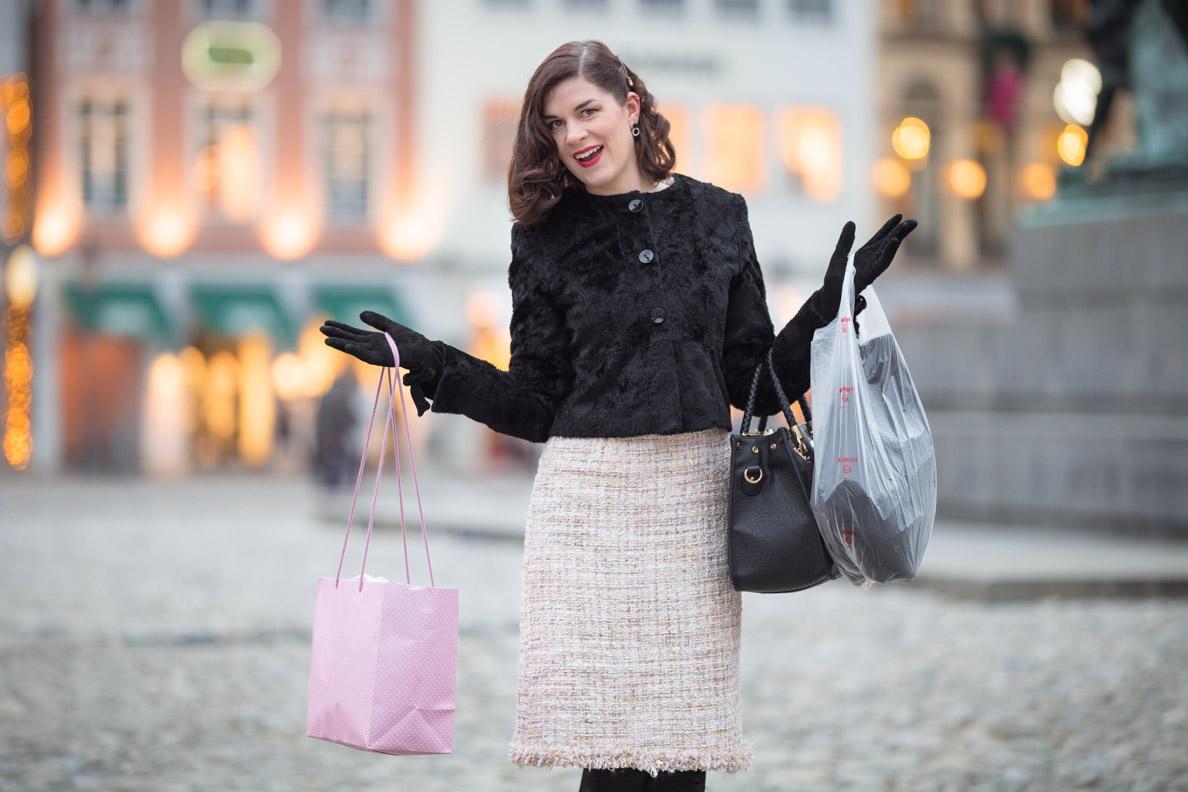 Vintage-Bloggerin RetroCat beim Shoppen in München