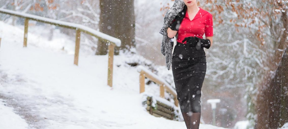 Stylish im Schnee mit dem Retro Sweater von Pretty Retro