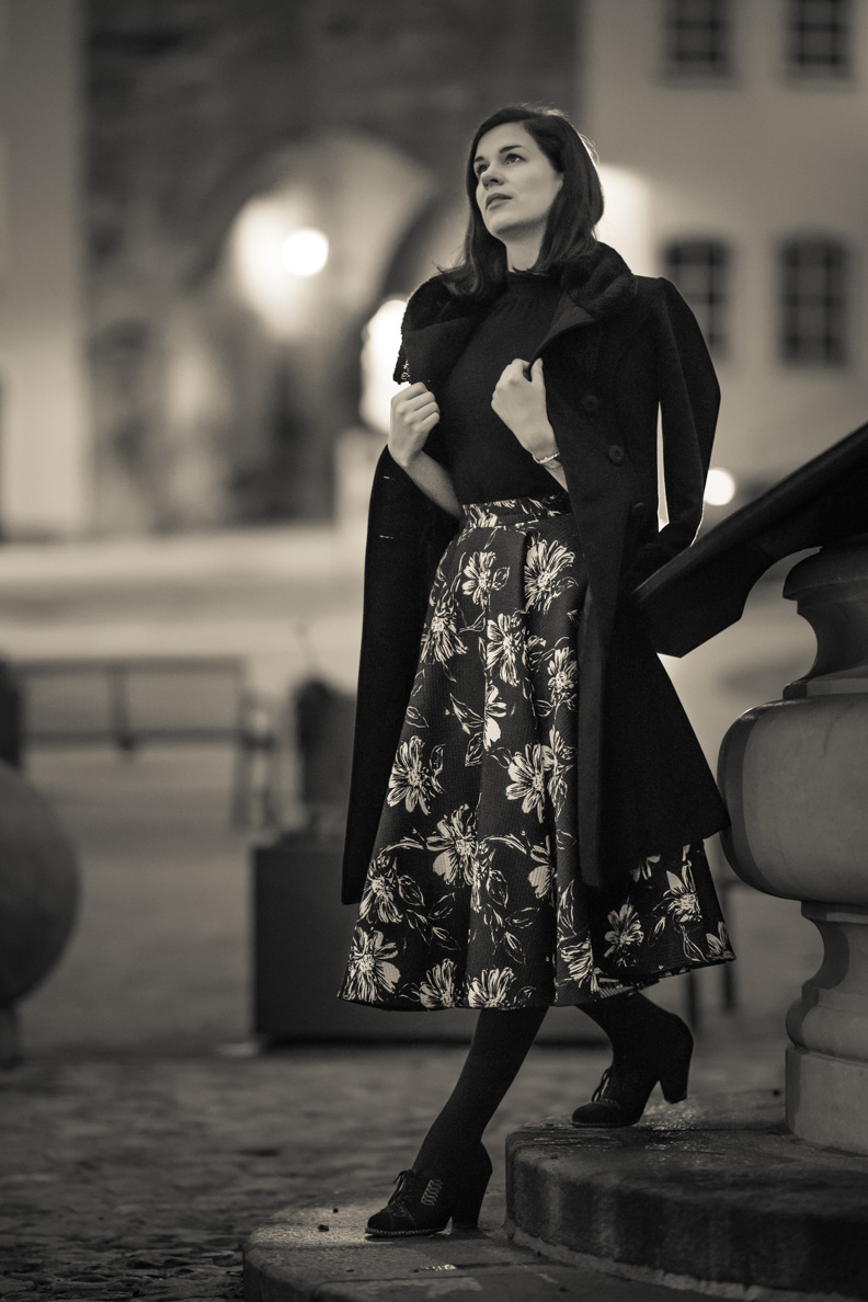 RetroCat in einem eleganten schwarz-weißen Retro-Look