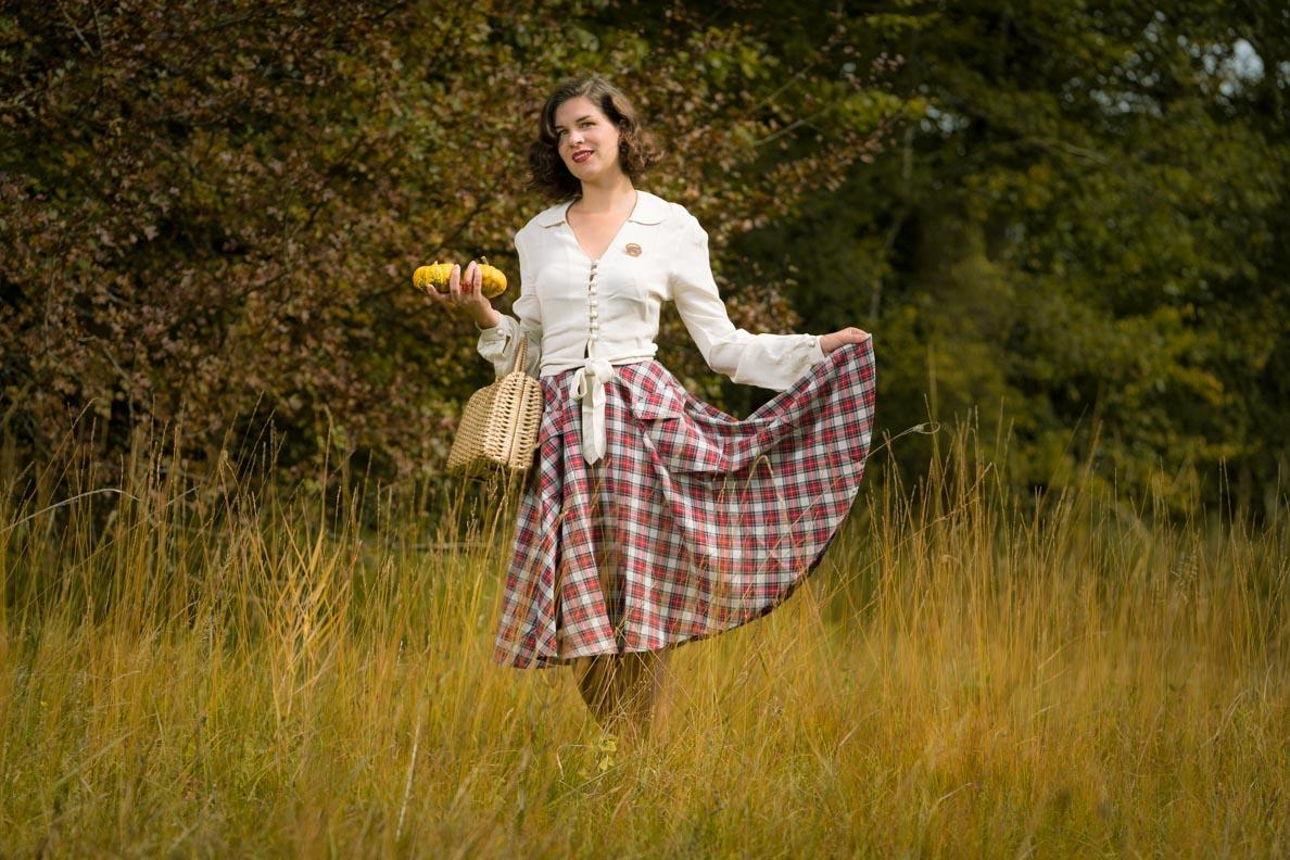 Posing-Tipp von RetroCat: Mit dem Outfit spielen