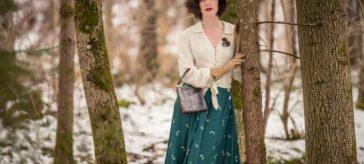 """Winter ade! Ein 40er-Jahre-Outfit mit einem Swing-Rock in """"Green Doggy"""" von The Seamstress of Bloomsbury"""