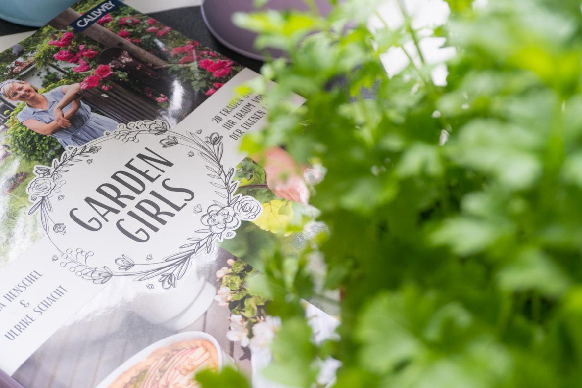 Der etwas andere Garten-Ratgeber: Garden Girls von Jana Henschel und Ulrike Schacht