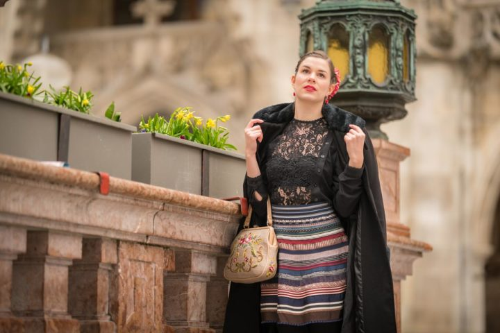 A sassy retro Outfit with the Ribbon Skirt by Lena Hoschek