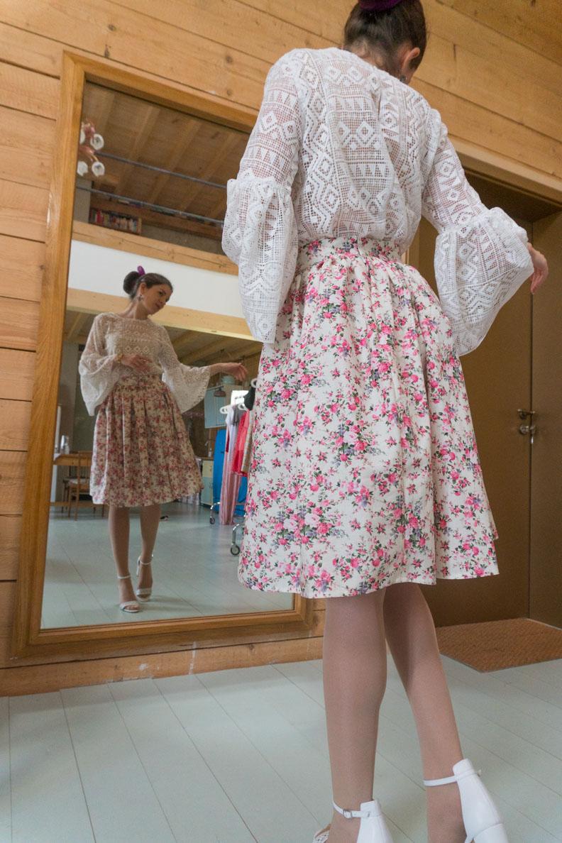 RetroCat mit dem Rose Skirt in Midi-Länge von Grünten Mode