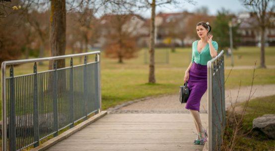 Farbenfroher Frühlingslook mit dem 50s Cardigan von Dancing Days by Banned