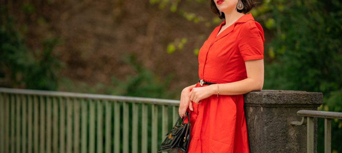 """Feurige Schönheit: Das Retro-Kleid """"Pepper"""" von Joanie Clothing"""