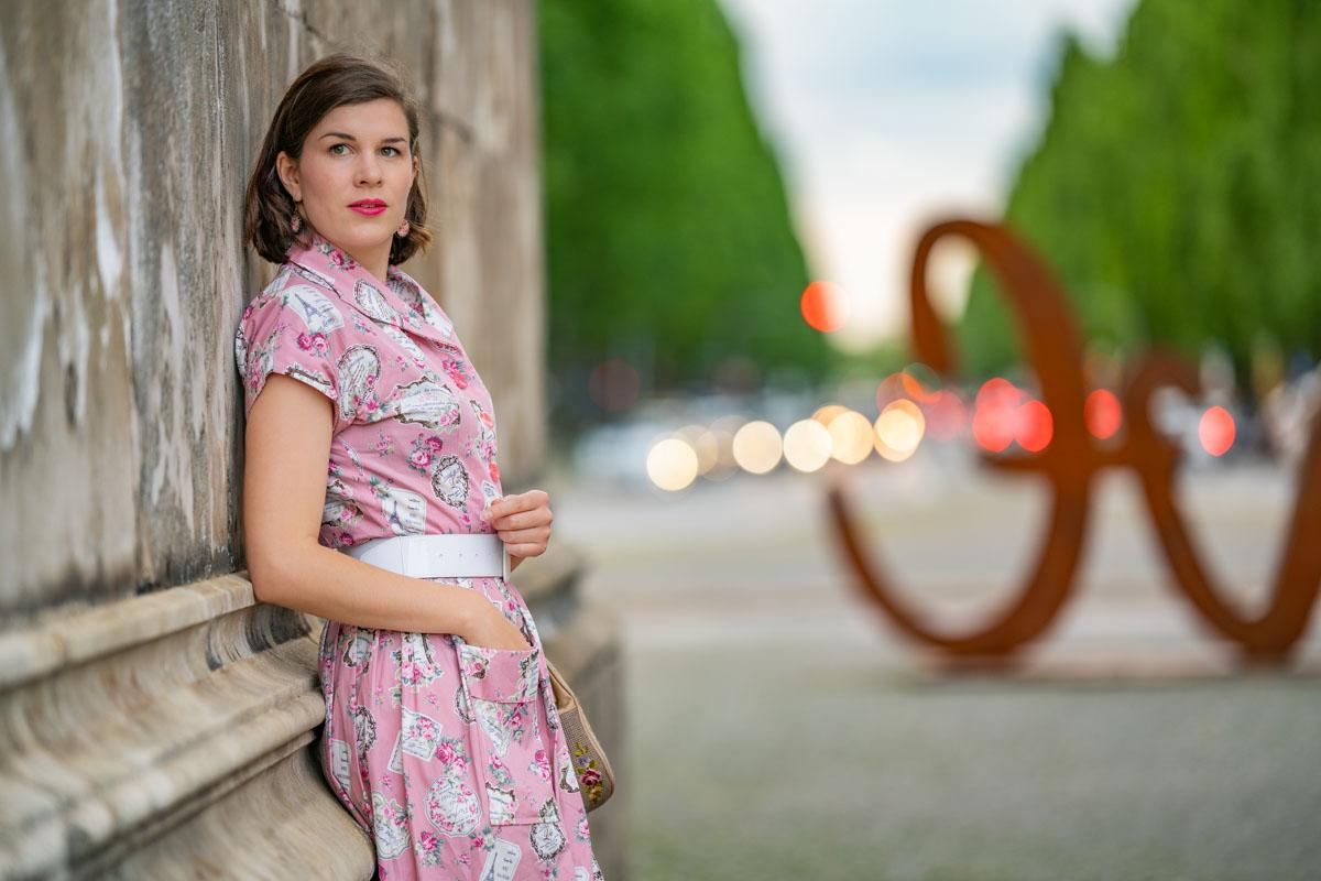 """Ein Abend in München mit dem Kitty Dress """"Perfume Pink"""" von Vivien of Holloway"""