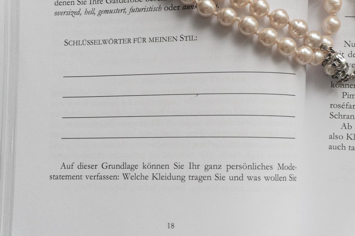 "Blick ins Buch ""Perlen statt Plunder"""