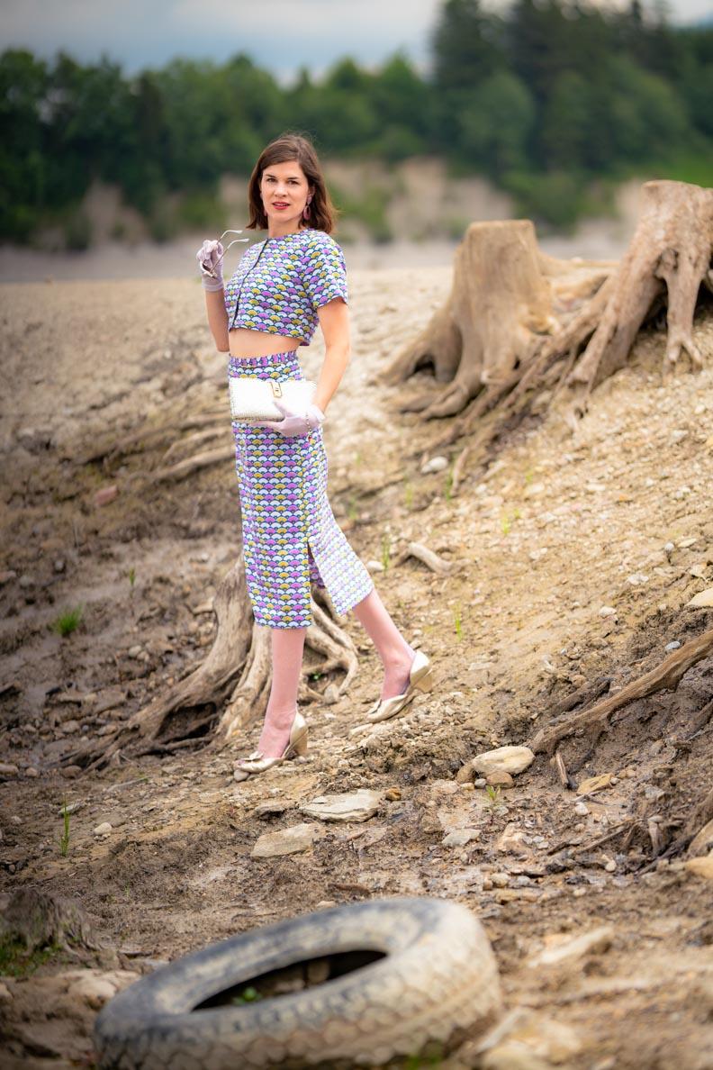 Sandra vom Vintage-Blog RetroCat in einem 60s-Look von Grünten Mode