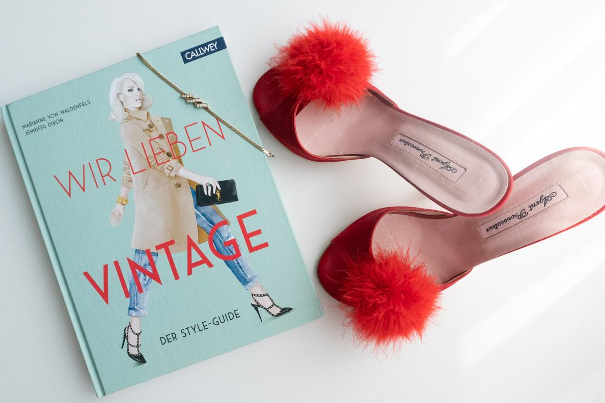 """Rezension zum Buch """"Wir lieben Vintage"""" von Marianne von Waldenfels und Jennifer Dixon"""