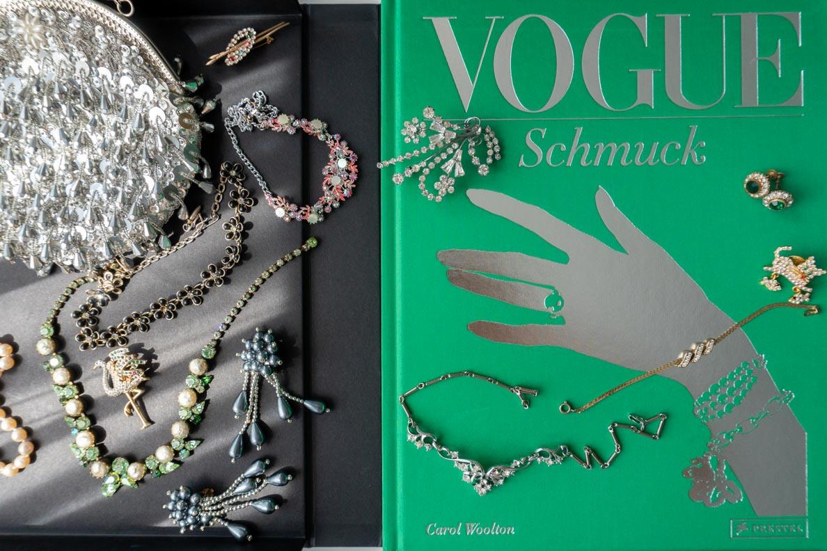 Das Buch Vogue: Schmuck in seiner eleganten Box