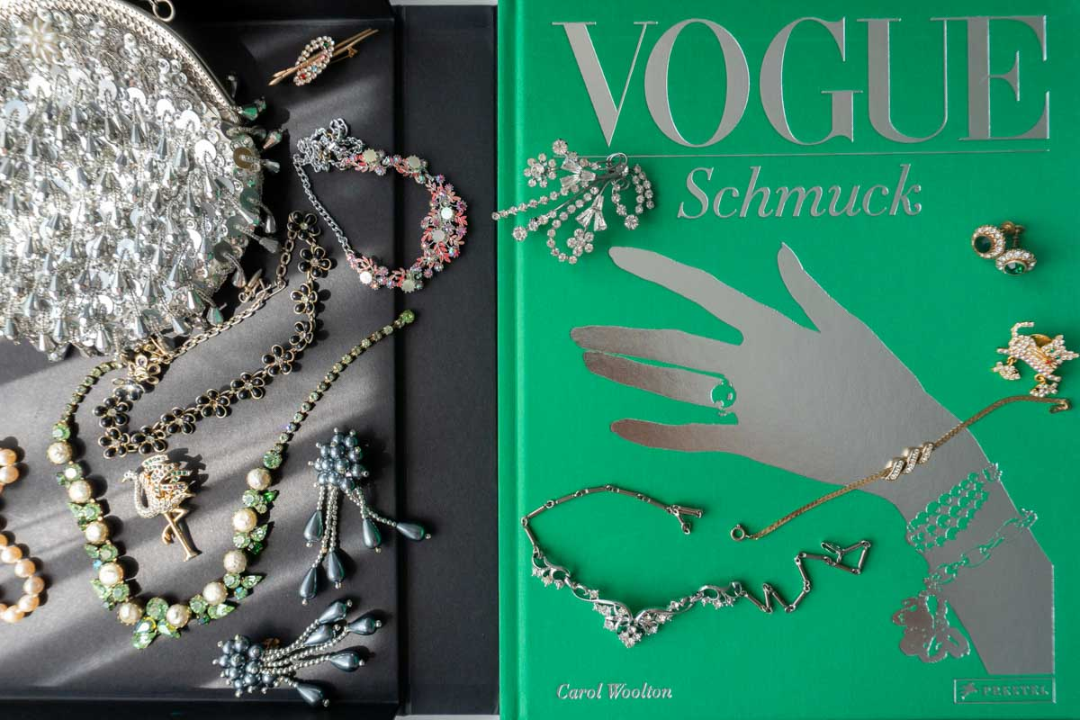 Vogue: Schmuck von Carol Woolton - Buchtipp für Glamour-Girls