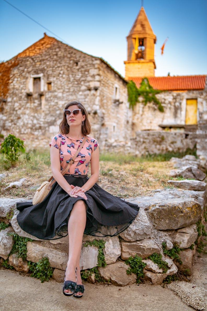 RetroCat mit dem Ice Cream Dress von Pussy Deluxe im Kroatien-Urlaub